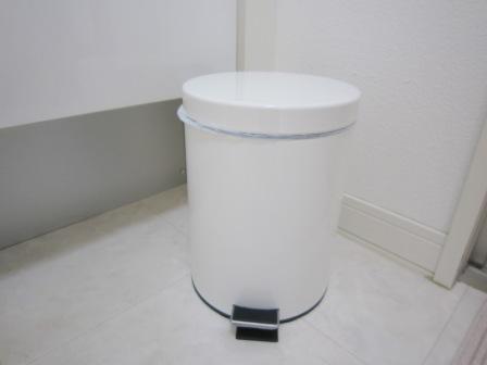 洗面所をすっきりさせたい人必見!!ごみ箱の置き方を変えましょう!のサムネイル画像