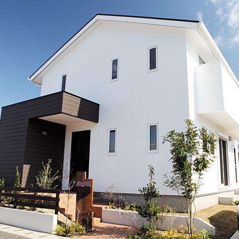 自然素材の外壁材♪ 漆喰を使って素敵なマイホーム!のサムネイル画像