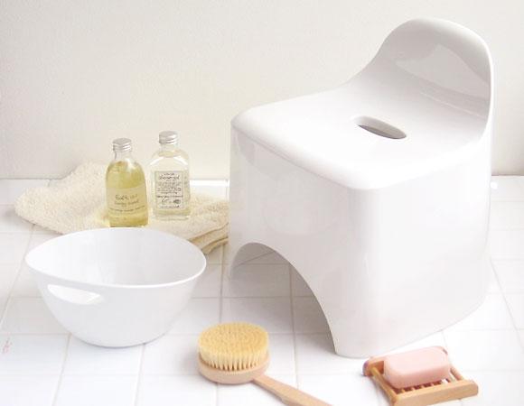 癒し癒され空間!お風呂は椅子にこだわりを持って気分を高めようのサムネイル画像