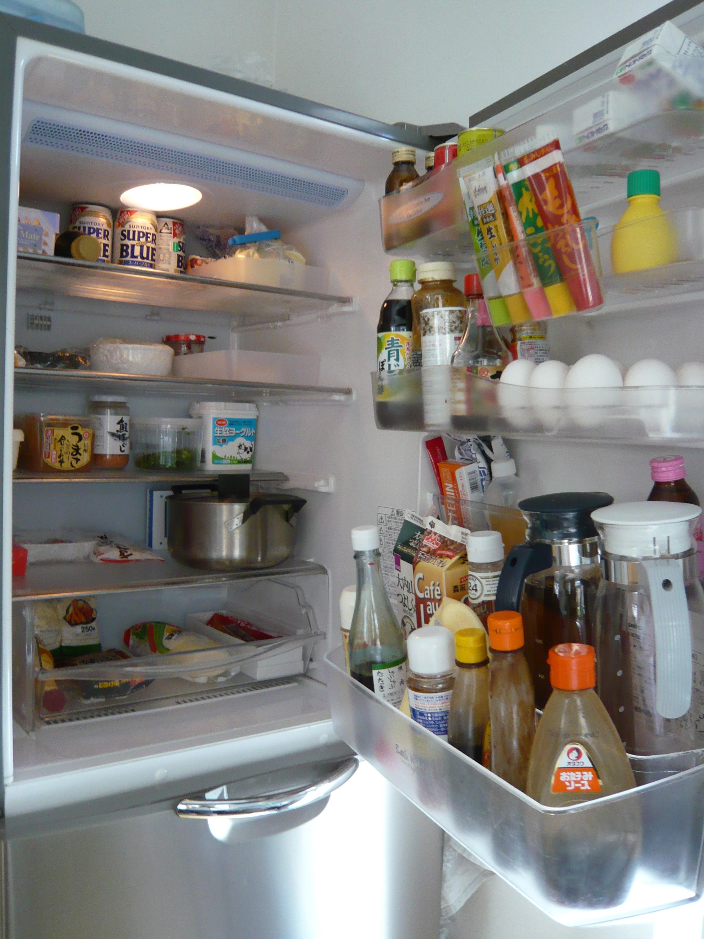 一度買ったら長く使う冷蔵庫。耐用年数ってどれくらいなの?のサムネイル画像