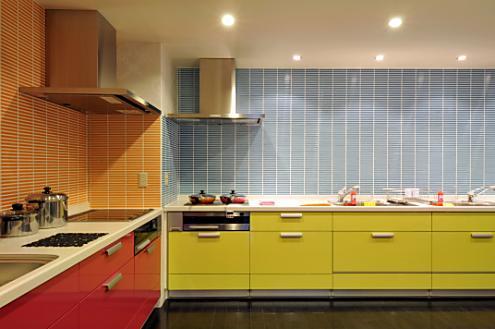 私のお城、何色にしようかな?キッチンのカラーコーディネート一覧!のサムネイル画像