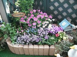 ベランダに花壇を造るなら、レンガが素敵なミニ花壇がおススメ!のサムネイル画像