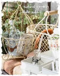 ベランダをオシャレに飾る雑貨をご紹介!ガーデニングにもおススメ!のサムネイル画像
