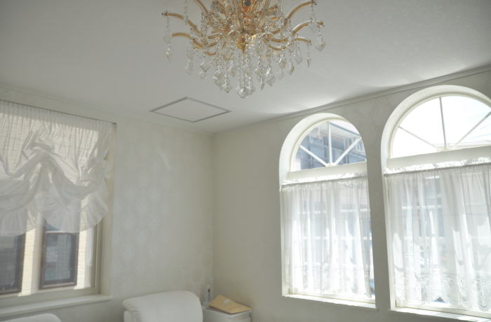 良縁を手に入れたい!恋に効く白いカーテンで幸運を手にしようのサムネイル画像