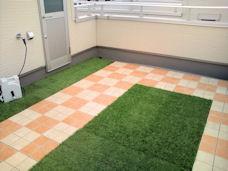 【紹介】ベランダに人工芝マットを敷いて快適でオシャレな空間に!!のサムネイル画像