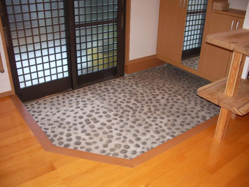 玄関の床からこだわって!!入った瞬間から素敵な家づくり!のサムネイル画像
