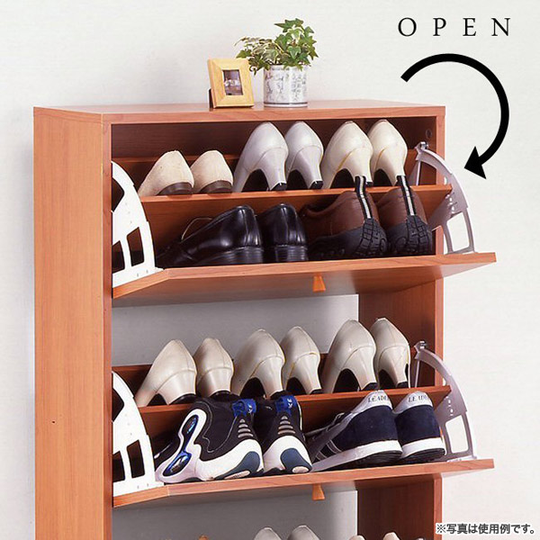 見て見ぬ振りをしていた靴箱…100円ショップのシートで靴箱を綺麗に♪のサムネイル画像