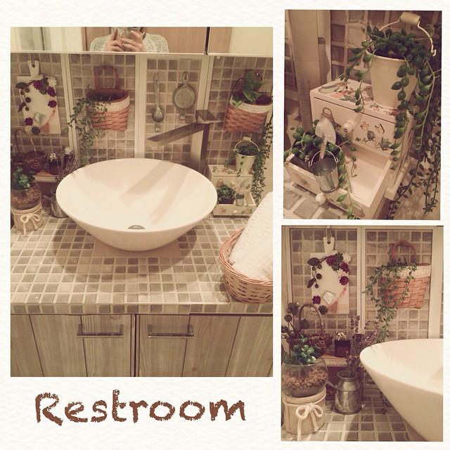 洗面所の壁紙・雰囲気を自分で変える!見られても良い洗面所に!のサムネイル画像