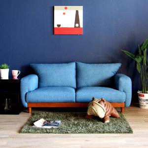 あなたのお部屋にも青色を♪ブルーソファでインテリアを楽しもう!のサムネイル画像