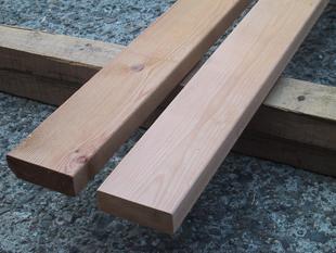 レッドシダーは、ウッドデッキに使われる木材の、ナンバーワンです!のサムネイル画像