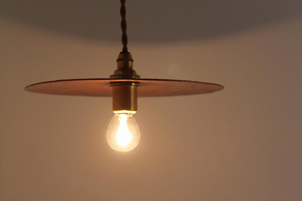 部屋を明るくしてくれる照明器具☆照明器具の種類を知っていますか?のサムネイル画像