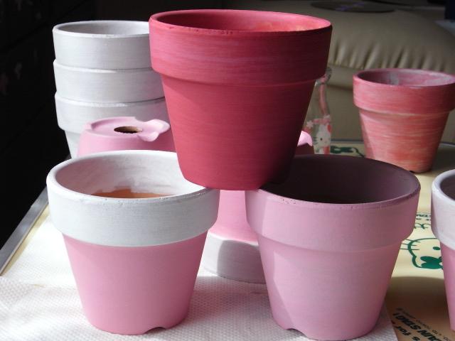 素焼き鉢をおしゃれに、ペイントしてください。リメイクします!のサムネイル画像