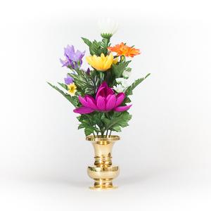 本物さながらの造花を、飾るのは、素敵なグリーンインテリアです!のサムネイル画像