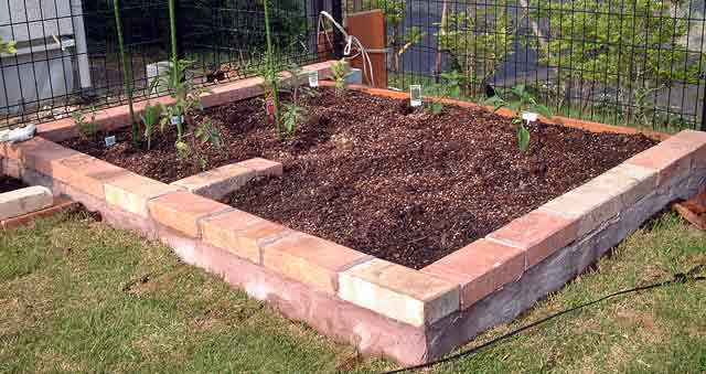レンガを積んで家庭菜園を作ろう!準備するものと積み方まとめのサムネイル画像