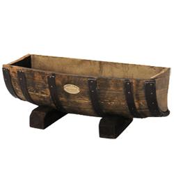 使い古した樽のイメージで、プランターに、植栽しましょう!のサムネイル画像
