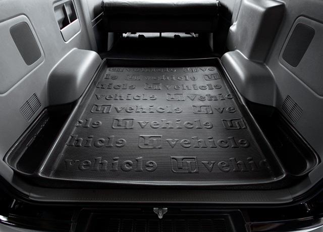 ハイエースは、トヨタ製のワゴンです。利用するマットがあります!のサムネイル画像