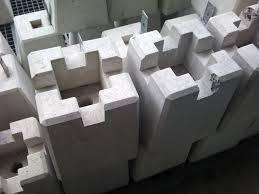 【束石】ウッドデッキの基礎を作る。束石の設置方法を紹介!のサムネイル画像