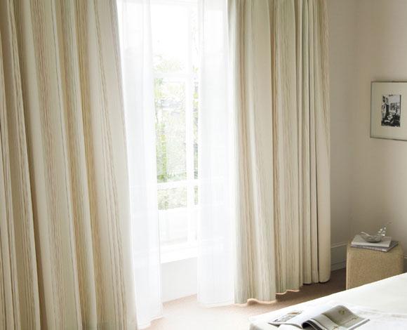 まぶしい光にさようなら!自分でできる簡単窓の遮光対策5選!のサムネイル画像