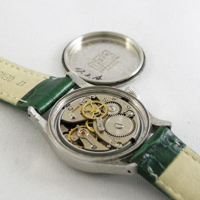 今なお愛されている、優雅に時を刻む手巻き式の腕時計の魅力とはのサムネイル画像