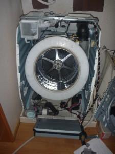 あなたは洗濯機の修理は自分でできますか?業者にたのみますか?のサムネイル画像