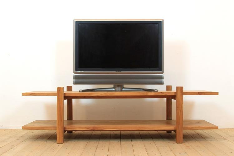 リビングルームを彩る必須アイテム。おすすめのテレビ台を紹介のサムネイル画像