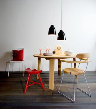 私だけの空間づくり妥協しないで自分の好きなおしゃれな家具を部屋へのサムネイル画像