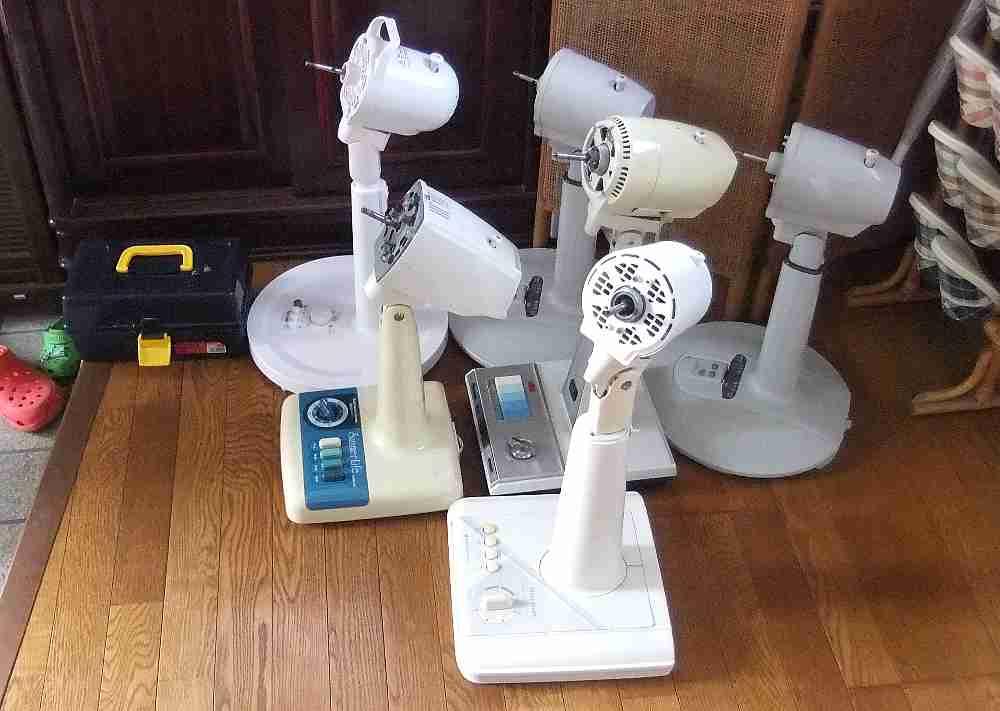 扇風機を一シーズン使うと、ホコリが溜まります。掃除してください!のサムネイル画像