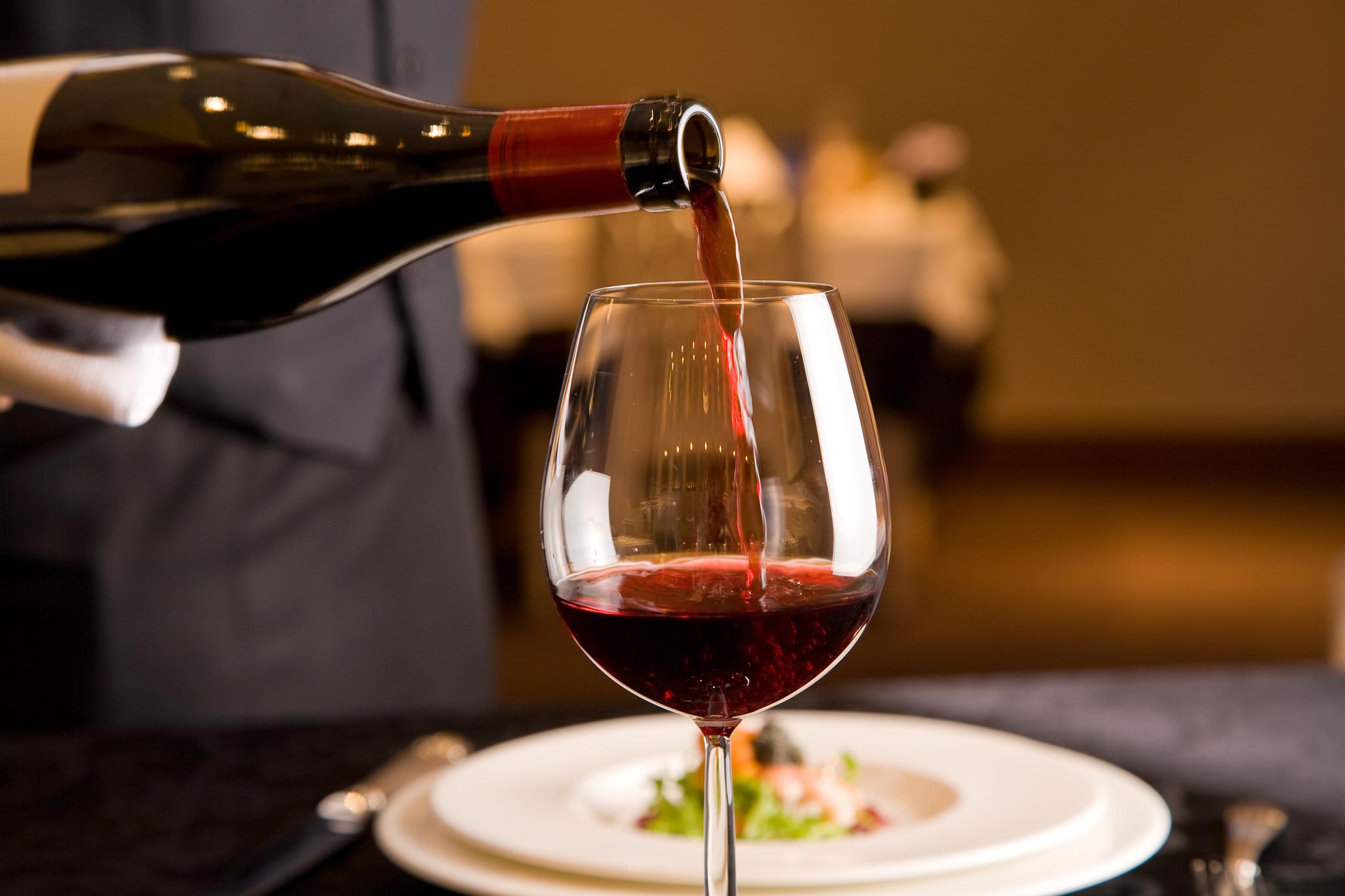ワイングラスおすすめ3選☆安旨ワインをもっと美味しく飲もう!のサムネイル画像