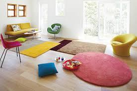 ラグマットでお部屋がおしゃれに変身。もっと素敵な部屋の作り方のサムネイル画像
