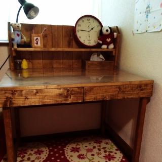 最新の人気・売れ筋なおすすめの学習机をまとめてみました!のサムネイル画像