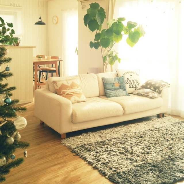 人気のソファがすぐ分かる!シーン別でみる使えるソファまとめのサムネイル画像