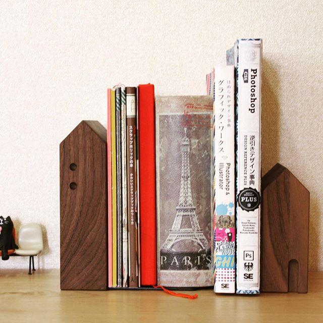【見せる】ブックスタンドでおしゃれに本を飾りましょう!【魅せる】のサムネイル画像