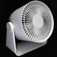 エアコンの風を効果的に循環!サーキュレーターの上手な使い方とは?のサムネイル画像