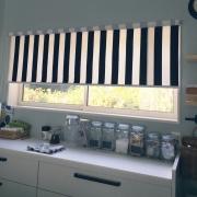 カーテンのタイプ別、部屋をオシャレに変えるストライプカーテン♪のサムネイル画像