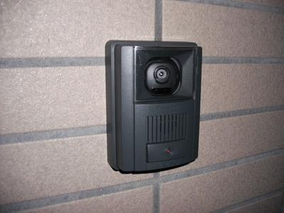 玄関に、チャイムがあれば、来客が鳴らして知らせてくれます!のサムネイル画像