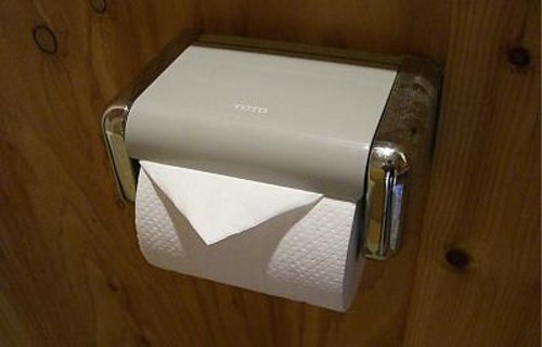 トイレットペーパーの三角折りは実はマナー違反!?由来は?意味は?のサムネイル画像