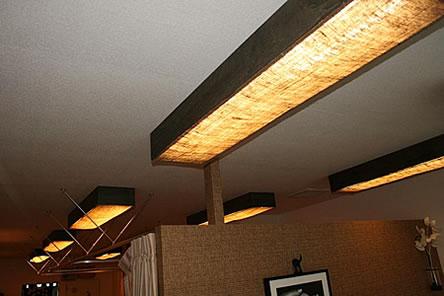 蛍光灯の交換方法は簡単。ただし、感電しないためには知識が必要!のサムネイル画像