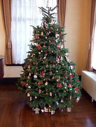 おしゃれなクリスマスツリーがたくさん☆どんなデザインが人気?のサムネイル画像