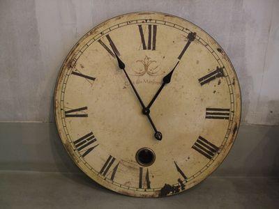 アンティークな壁掛け時計が人気!注目のおすすめ商品を紹介します。のサムネイル画像