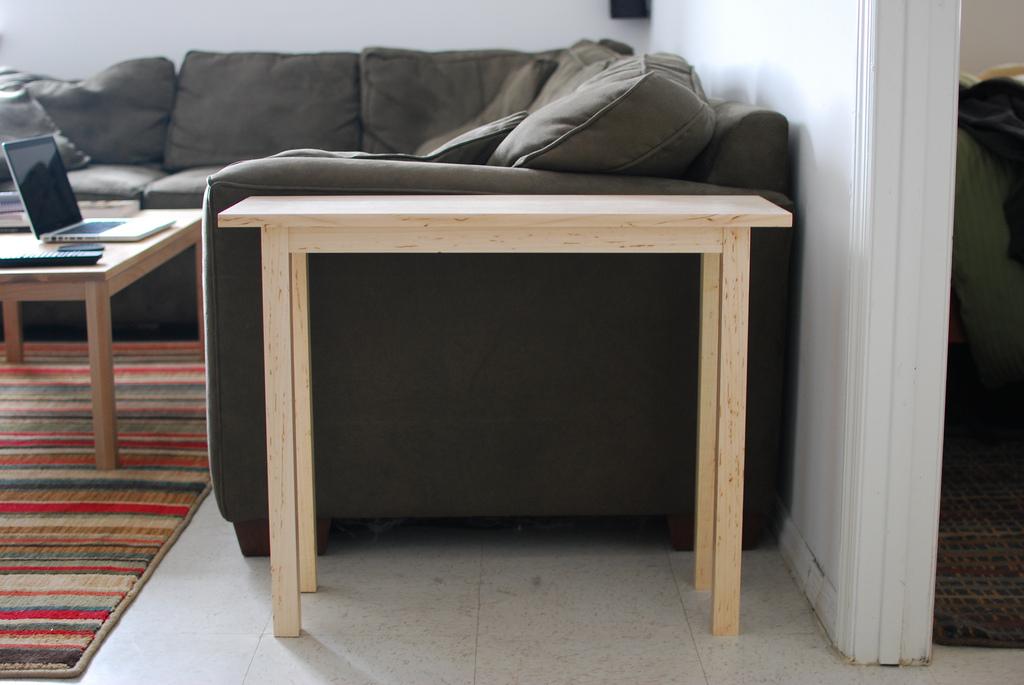 簡単にサイドテーブルが出来ちゃいます。DIY初心者でも大丈夫!のサムネイル画像
