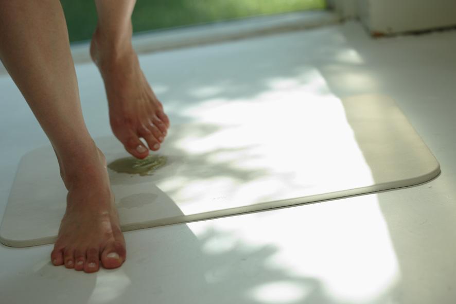 お風呂上がりに役に立つ!おすすめのバスマットを紹介します☆のサムネイル画像