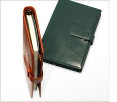 今年使いたくなるような使い勝手のいいb6サイズの手帳の紹介。のサムネイル画像