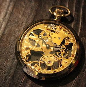 深い味わいの【アンティーク時計】ゆったりとした時を刻みます♪のサムネイル画像