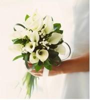 あなたの好きなお花は?!人気のウェディングブーケをご紹介!!のサムネイル画像