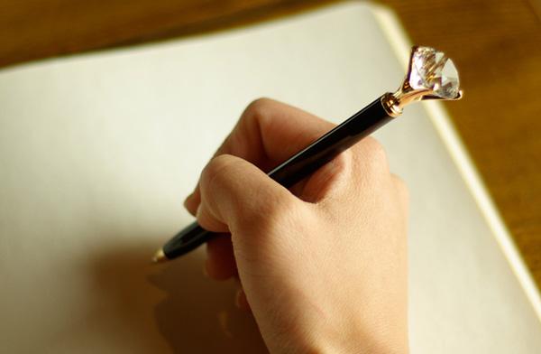 喜ばれること間違いなし!プレゼントに最適なおすすめ高級ボールペンのサムネイル画像