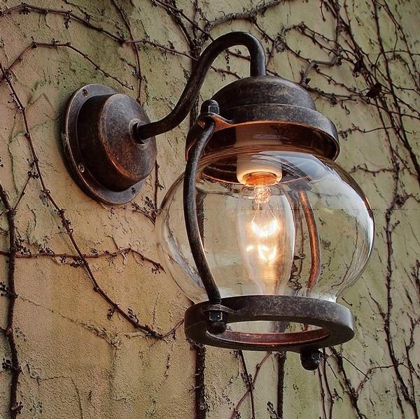 オシャレで素敵な玄関灯が欲しい!玄関灯のいろいろをご紹介しますのサムネイル画像