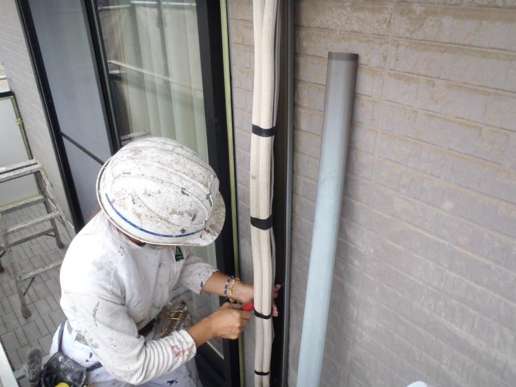 エアコンの配管は、エアコン本体と室外機をつなぐものです!のサムネイル画像