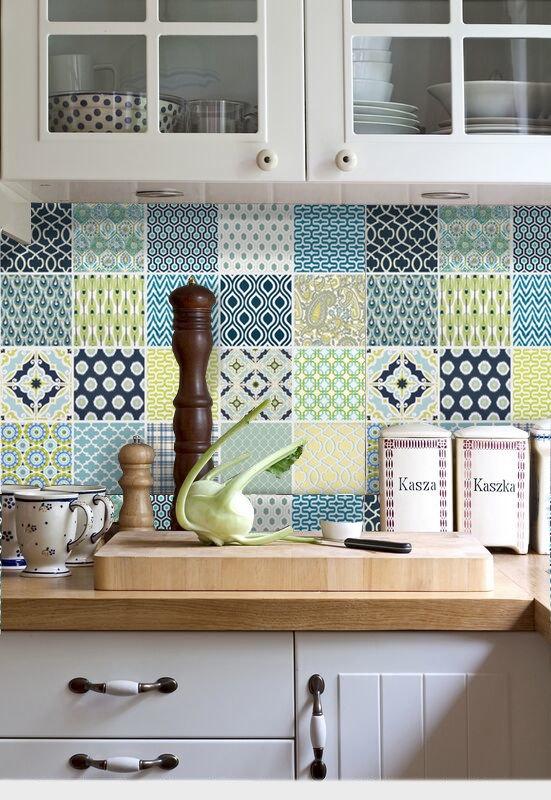 キッチンをもっとすてきに変身させるおしゃれなタイルの使い方!のサムネイル画像