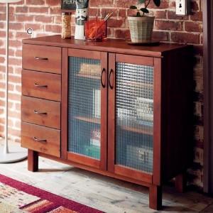 いろいろな家具を使って、自分好みのおしゃれなリビングにしよう!のサムネイル画像
