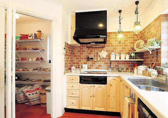 便利でステキなキッチンは100円ショップのアイテムでばっちり!のサムネイル画像